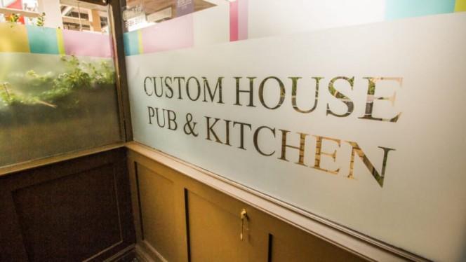 Custom House Pub