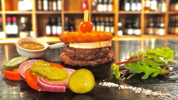 Le Vin Qui Danse ! (Panthéon) Burger
