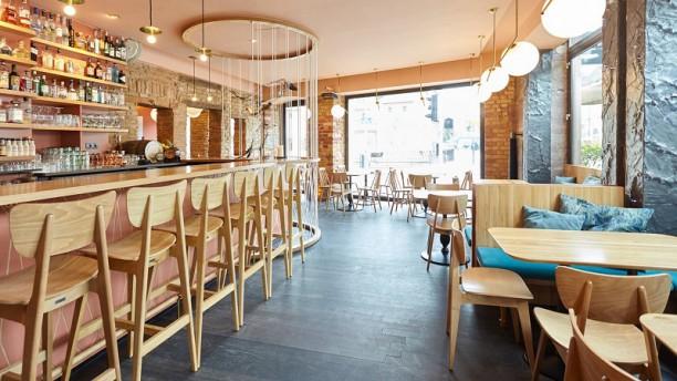 Raven Café Salle du restaurant