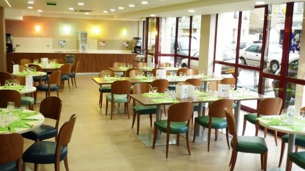 La Table des Turons Hôtel Ibis Styles Vue d'ensemble de la salle