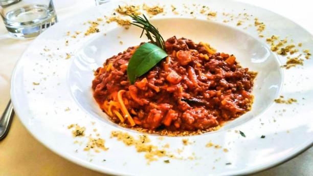 La Tavola Rotonda Tagliolini al ragout di cervo - Noodles with deer sauce