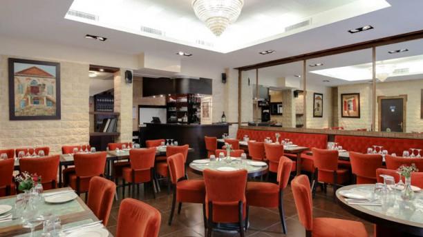 Restaurant Libanais Ugarit Vue de la salle