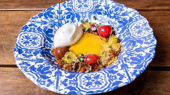 Burrata con tomates - El Milagritos Gastrobar Flamenco, Sevilla