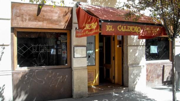 El Caldero entrada