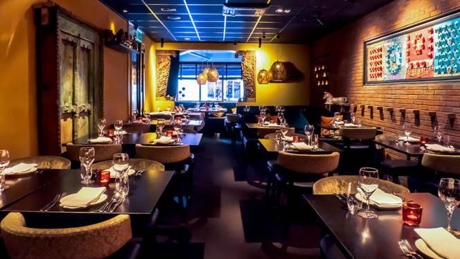 Restaurantzaal - Indiaas Restaurant Mayur, Amsterdam