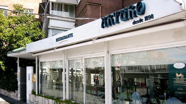 Arturo Delfines
