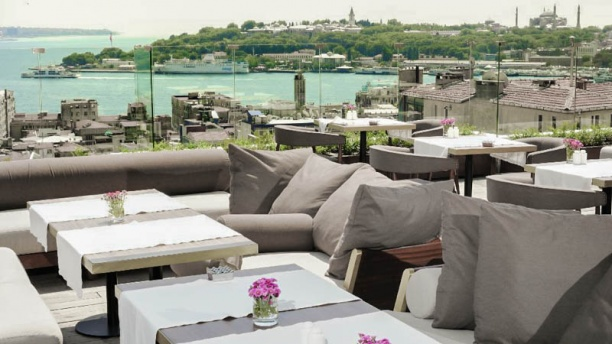 Le Fumoir - Georges Hotel Galata The terrace