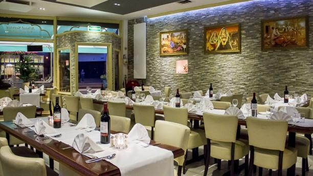 Motimahal Indiaas Restaurant Restaurantzaal