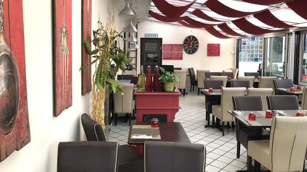 Le Panache Blanc in Le Mesnil-Saint-Denis - Restaurant Reviews, Menu ...