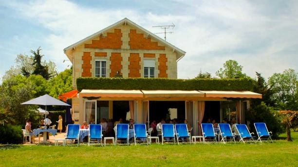 La Maison du Douanier Vue extérieur et terrasse