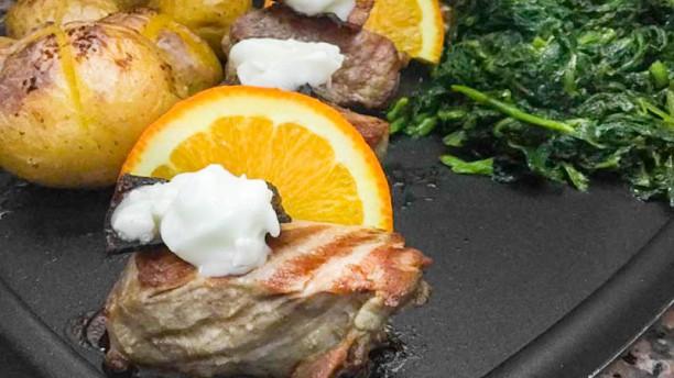 Mesa com Tradição Lombinhos de porco com bacon e queijo da serra
