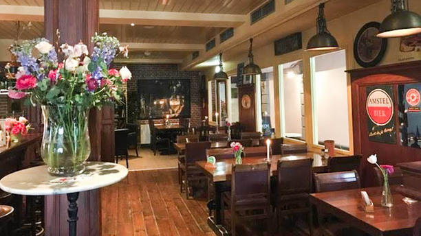 Het Oude Tolhuys Het Café