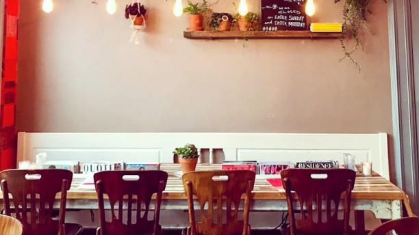 Dwaze Zaken Restaurant