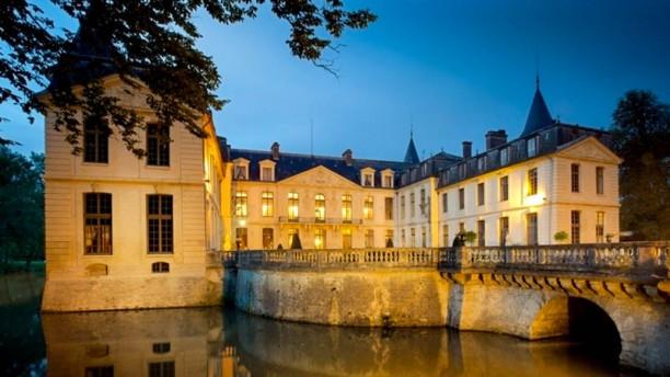 Château d'Ermenonville - La Table du Poète Façade