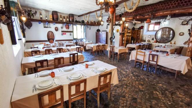 Adega do Cozinheiro ristorante portoghese a Sintra in Portogallo