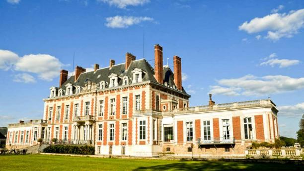 Château du Maréchal de Saxe - Les Menus Plaisir Façade