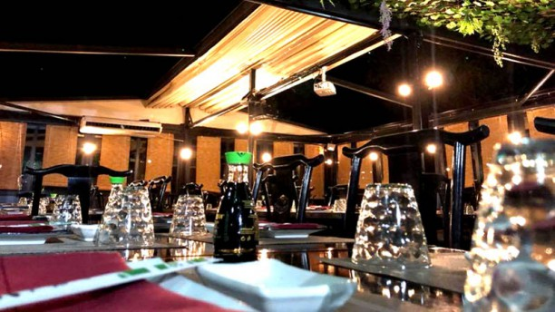 Zumi Restaurant Sushi Sala in veranda