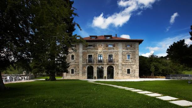 Bailara Restaurant -  Hotel Iriarte Jauregia Entrada