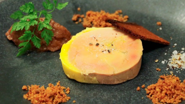 Le jardin de pinchat in carouge restaurant reviews menu for Restaurant le jardin neufchatel menus
