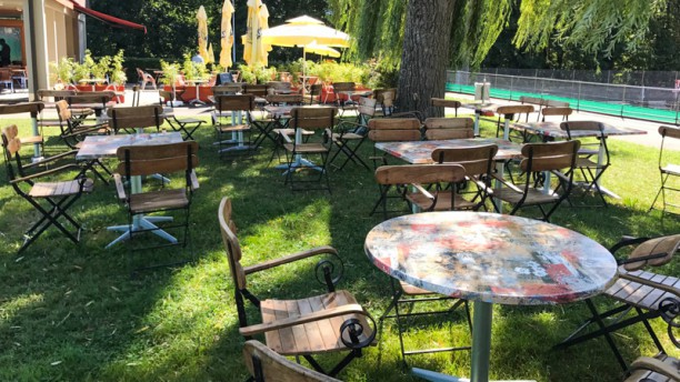 Restaurant le jardin de pinchat carouge menu avis for Restaurant le jardin morat