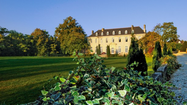 Abbaye de Villeneuve - L'Epicurien Vue de l'extérieur