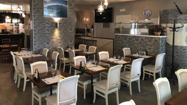 La Fontaine - Restaurant Pizzeria Salle du restaurant