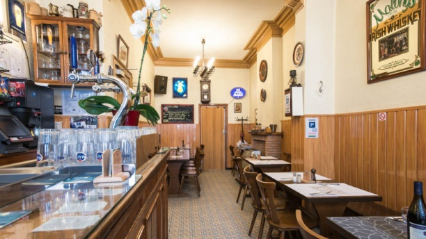 Café de l'Avenue Vue bar et salle