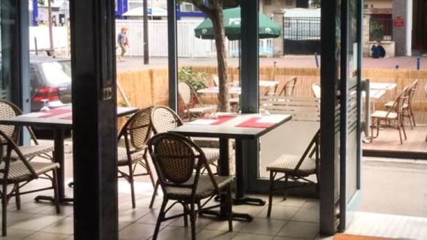 Restaurant de la Commune Intérieur