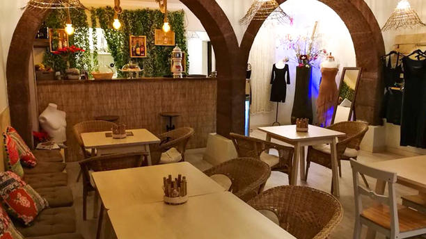 Coachella Store & Coffee Sala