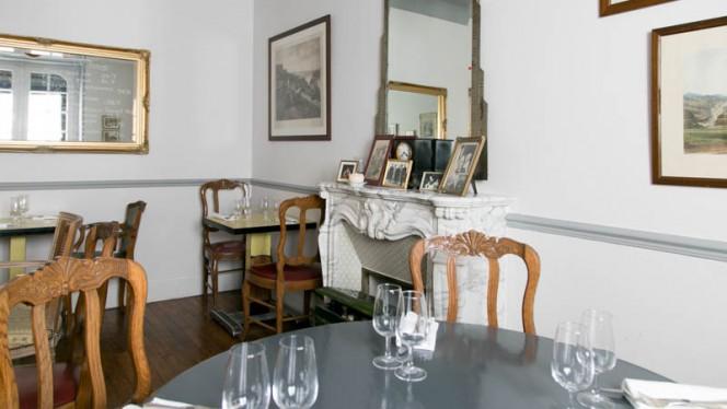 Domaine De La Corniche - Restaurant - Rolleboise