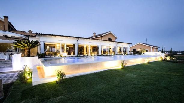 Casale Realmonte Vista ristorante con piscina