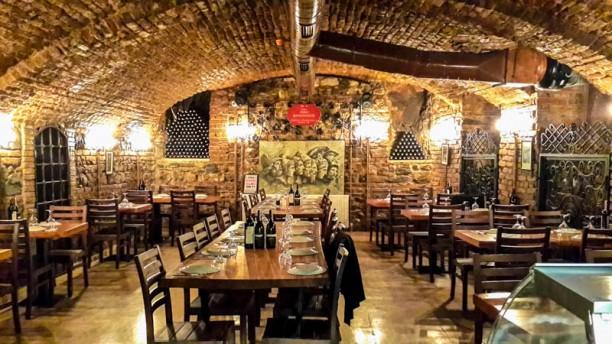 Tarihi Pano Şaraphanesi The dining room
