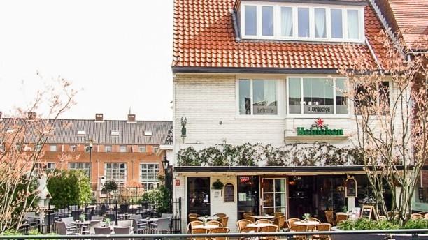 Eetcafé 't Draeckje Voorterras-Ingang