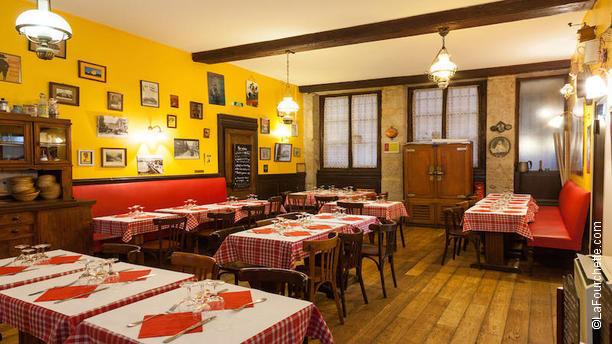 La t te de lard restaurant 13 rue d sir e 69001 lyon for 9 rue du jardin des plantes 69001 lyon