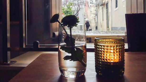 Bruta Flor detalhe da mesa