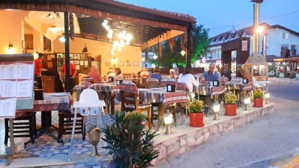 Hanedan B.B.Q Authentic Turkish Cuisine terrace