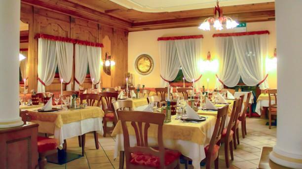 Taufer Restaurant Veduta dell interno