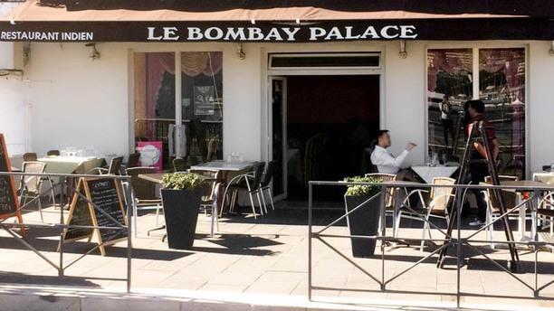 Bombay Palace Terrasse