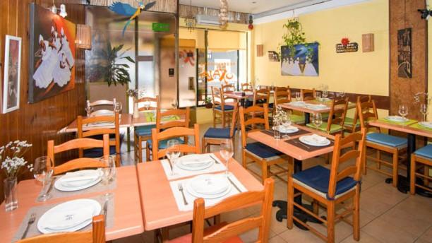 Oxalá Restaurante Baiano visão geral da sala
