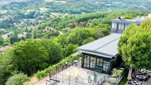 L'Ermitage Hôtel Cuisine à Manger Vue terrasse