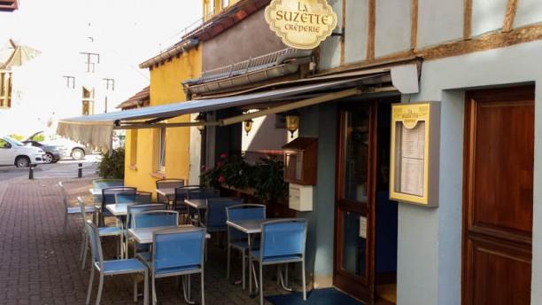 La Suzette devanture et terrasse