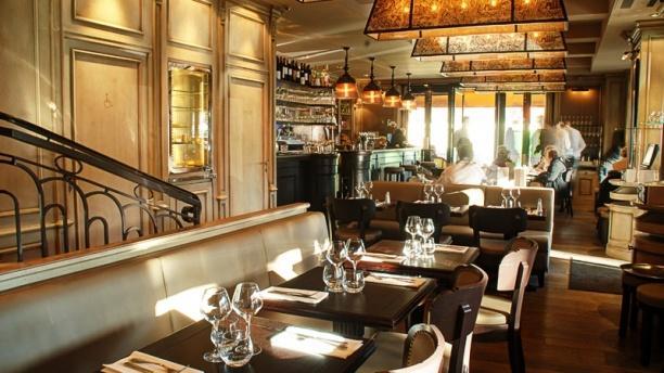 Restaurant bords de seine paris 75001 ch telet les for Restaurant ville lasalle