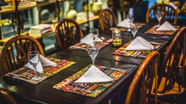 Tulsi Indian Cuisine Vista do interior