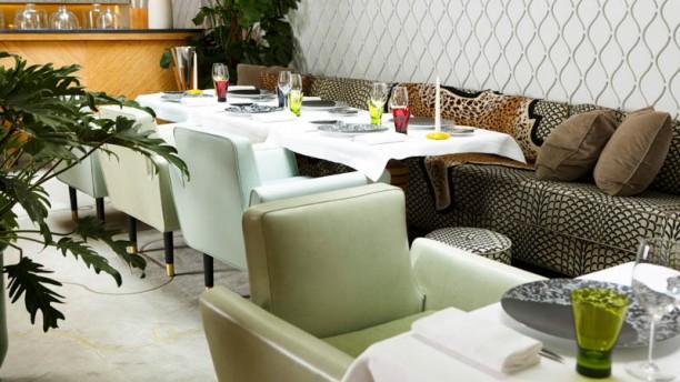 Sylvestre - Hôtel Thoumieux la salle du restaurant