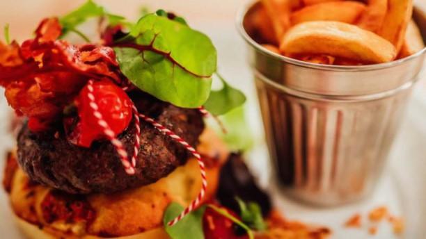 OUIBar  + KTCHN Burger et frites à la carte