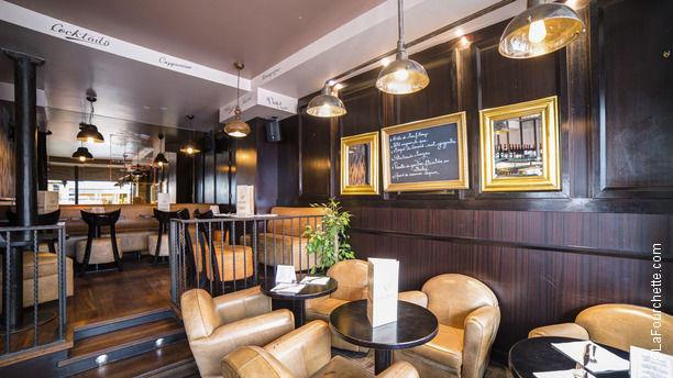 Le vrai paris in paris restaurant reviews menu and for Restaurant le miroir rue des martyrs