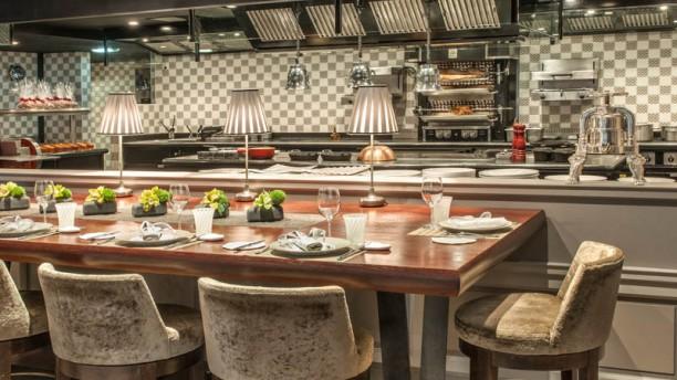 Restaurant restaurant jo l robuchon monaco menu avis for Cuisine ouverte restaurant norme
