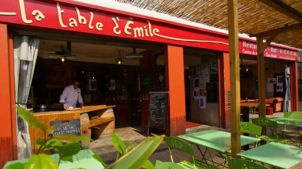 La table d'Emile Façade