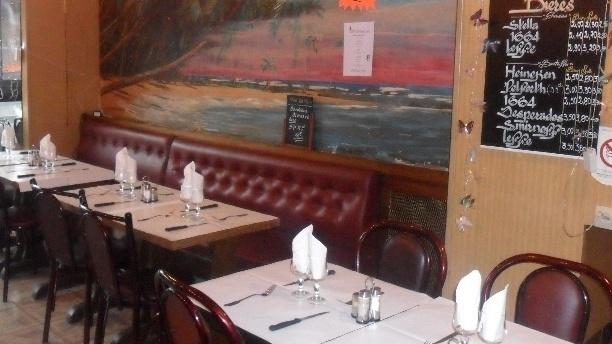 Le Cafe de France Vue de l'intérieur