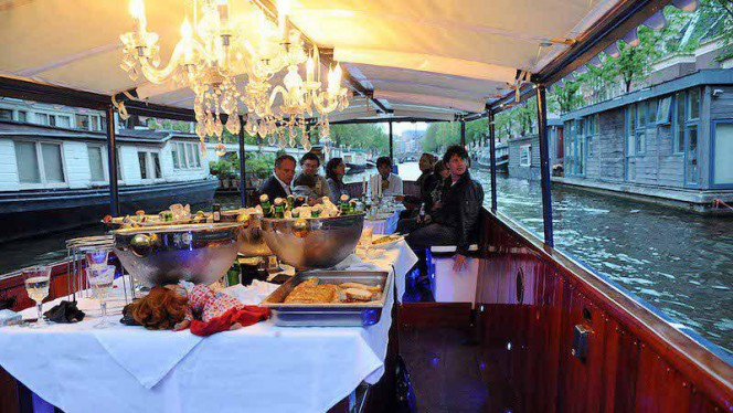 Varend restaurant met 3 gangen diners, buffetten, high tea, lunch ontbijt - Dinner Cruise Amsterdam - Varend Restaurant for groups from 10 up to 35 persons., Amsterdam